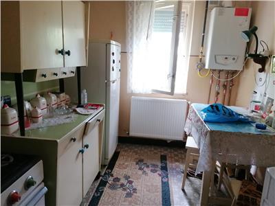 Vanzare apartament 2 camere semidecomandat Targoviste Micro 9