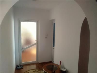 Vanzare apartament 2 camere,targoviste,micro 6