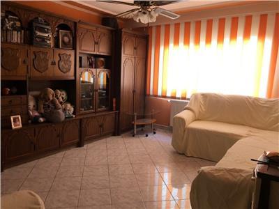 Vanzare apartament 3 camere 13 septembrie 84 mp, hol lung