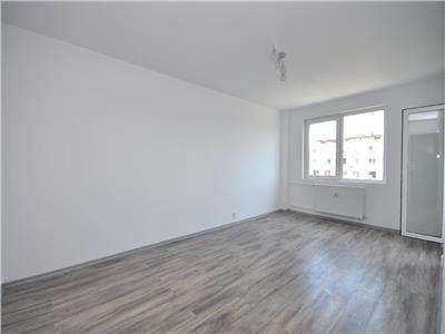 Apartament 3 camere decomandat 2 bai renovat total bloc 1984