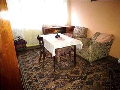 Vanzare apartament 3 camere, Aleea Trandafirilor