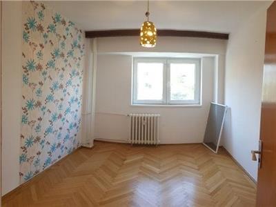 Vanzare apartament 3 camere, Banu Manta