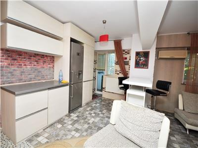 Vanzare  apartament 3 camere Calea Calarasilor biserica Delea