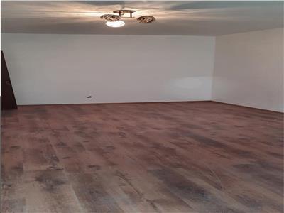 Vanzare  apartament 3 camere Colentina Mc Donald s  renovat nou