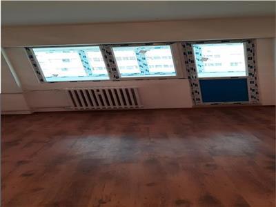 Vanzare  apartament 3 camere colentina mc donald s