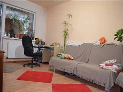 Vanzare apartament 3 camere, confort 1a, decomandat, vest, ploiesti