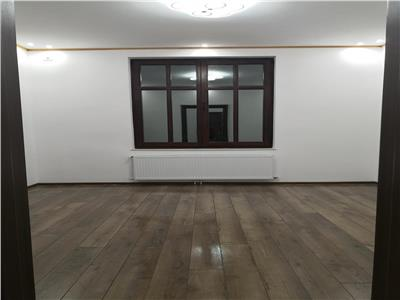 Vanzare apartament 3 camere Cotroceni langa parc, centrala, curte