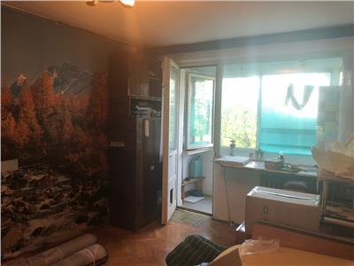 Vanzare apartament 3 camere decomandat Drumul Taberei parc Moghioros