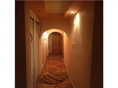 Vanzare apartament 3 camere decomandat gaesti ultracentral