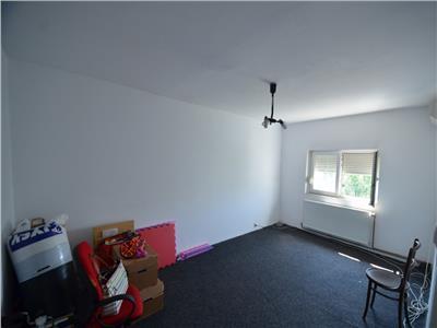Vanzare apartament 3 camere,  decomandat, ploiesti, zona cantacuzino