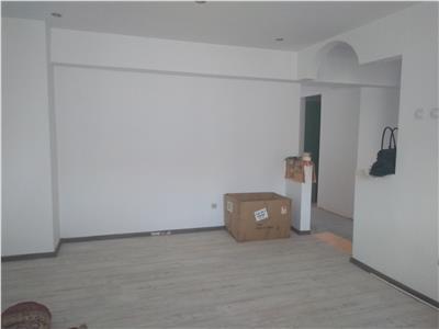 Vanzare apartament 3 camere decomandat targoviste calea bucuresti