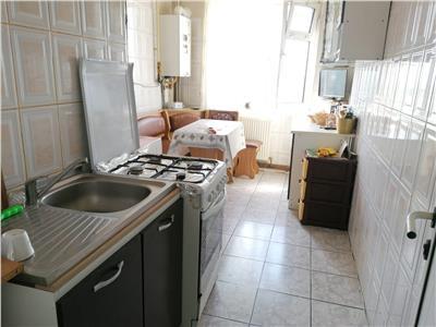 Vanzare apartament 3 camere decomandat targoviste central