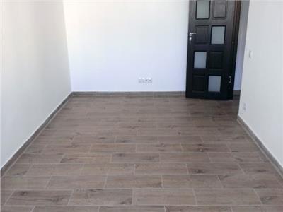 Vanzare apartament 3 camere decomandat targoviste micro 4