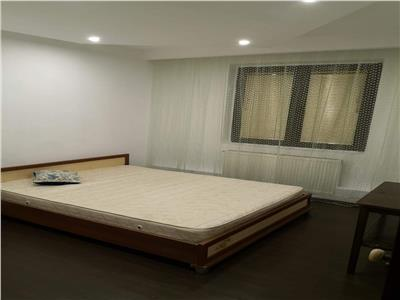 Vanzare apartament 3 camere dristor str laborator