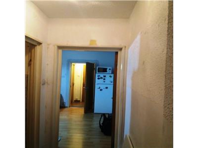 Vanzare apartament 3 camere Drumul Taberei/ Raul Doamnei
