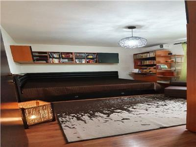 Vanzare apartament 3 camere , etaj 3 din 4 niveluri baba novac