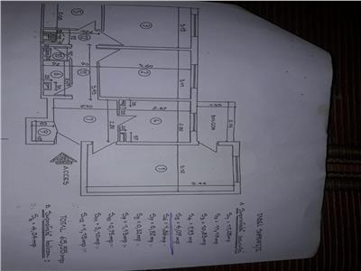 Vanzare apartament 3 camere ,etaj 8, zona  Mega Mall