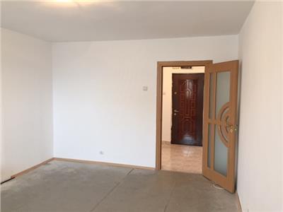 Vanzare apartament 3 camere, in Ploiesti, zona Vest