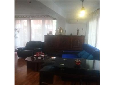 Vanzare apartament 3 camere in zona calea 13 septembrie