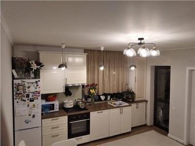 Vanzare apartament 3 camere, lux,  parter din 4 ,zona basarabia