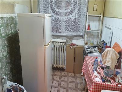 Vanzare Apartament 3 Camere Metrou Costin Georgian