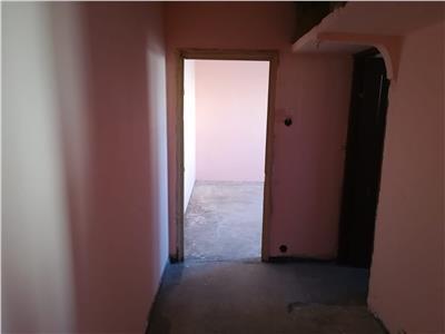 Vanzare apartament 3 camere,micro 11