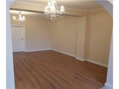 Vanzare apartament 3 camere piata domenii