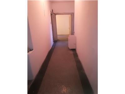 Vanzare apartament  3 camere Piata Romana / Sheraton
