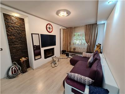 Vanzare apartament 3 camere, ploiesti, zona enachita vacarescu