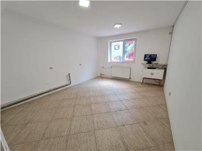 Vanzare apartament 3 camere, Ploiesti, zona ultracentral
