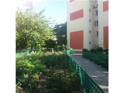 Vanzare apartament 3 camere la pret de 2 camere Rahova