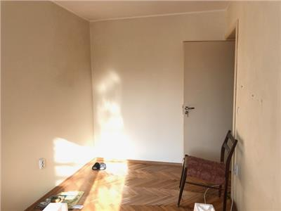 Vanzare apartament 3 camere, renovat, in ploiesti, zona nord