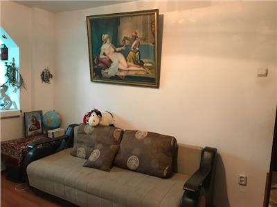 Vanzare apartament 3 camere, semidecomandat, in ploiesti,  marasesti