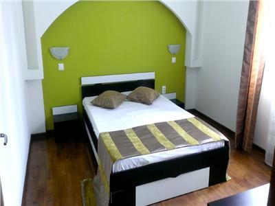 Vanzare apartament 3 camere semidecomandat aleea trandafirilor