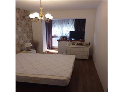 Vanzare apartament 3 camere semidecomandat pucioasa