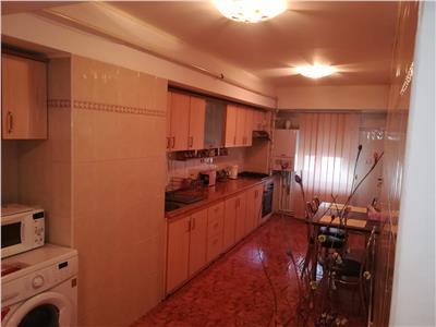 Vanzare apartament 3 camere ,ultracentral