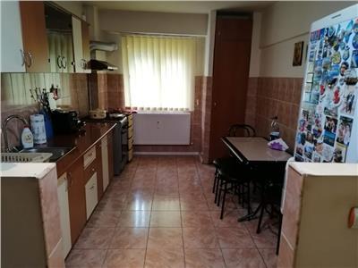 Vanzare apartament 3 camere - Vacaresti - metrou Sudului