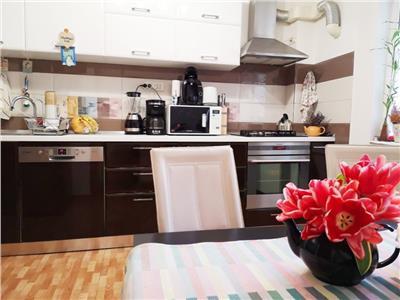 Vanzare apartament 3 camere zona vitan- mihai bravu