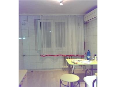 Vanzare apartament 4 camere aleea istru drumul taberei