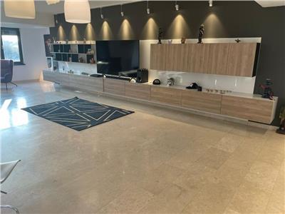 Vanzare apartament 4 camere bloc 2016 damaroaia  etaj1/3