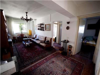 Vanzare apartament 4 camere calea calarasilor / delea noua
