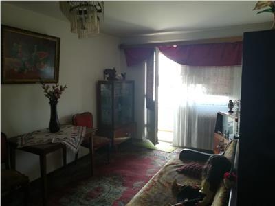 Vanzare apartament 4 camere central
