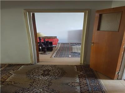 Vanzare apartament 4  camere ,decomandat , Berceni