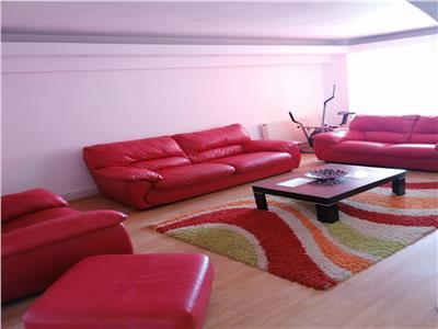Vanzare apartament 4 camere decomandat calea bucuresti