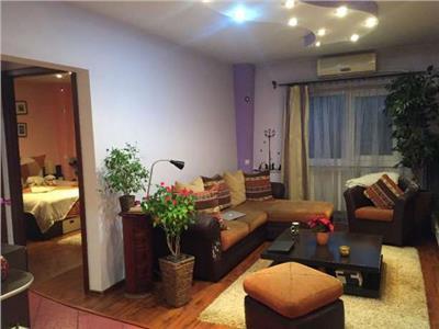 Vanzare apartament 4 camere Dr.Sarii