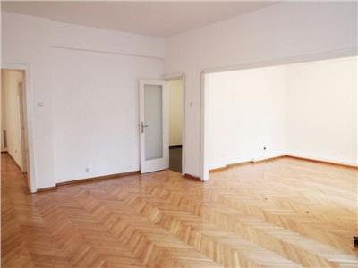 Vanzare apartament 4 camere et.2 universitate armeneasca fara risc