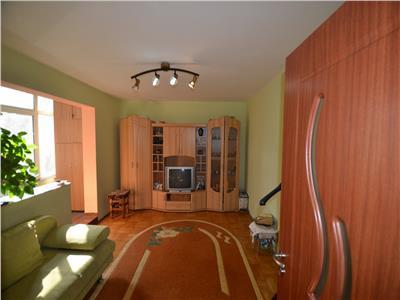 Vanzare apartament 4 camere, in ploiesti, zona nord, decomandat