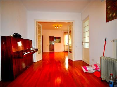 Vanzare apartament 4 camere in vila Cotroceni Eroii Sanitari