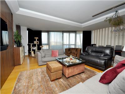 Vanzare apartament 4 camere -  lux, unicat, excelenta - domenii.