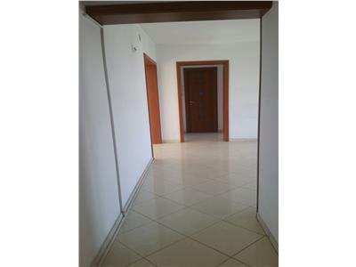 Vanzare Apartament 4 Camere Metrou Unirii